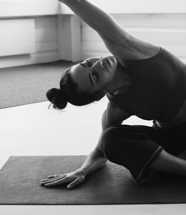Schanika Mohn beim Stretching